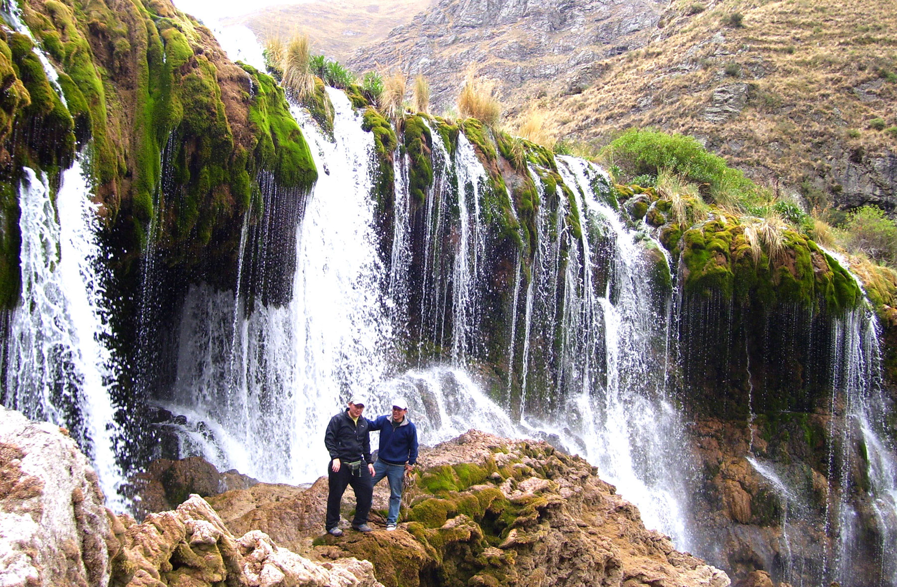 Cascada del Puente Inca