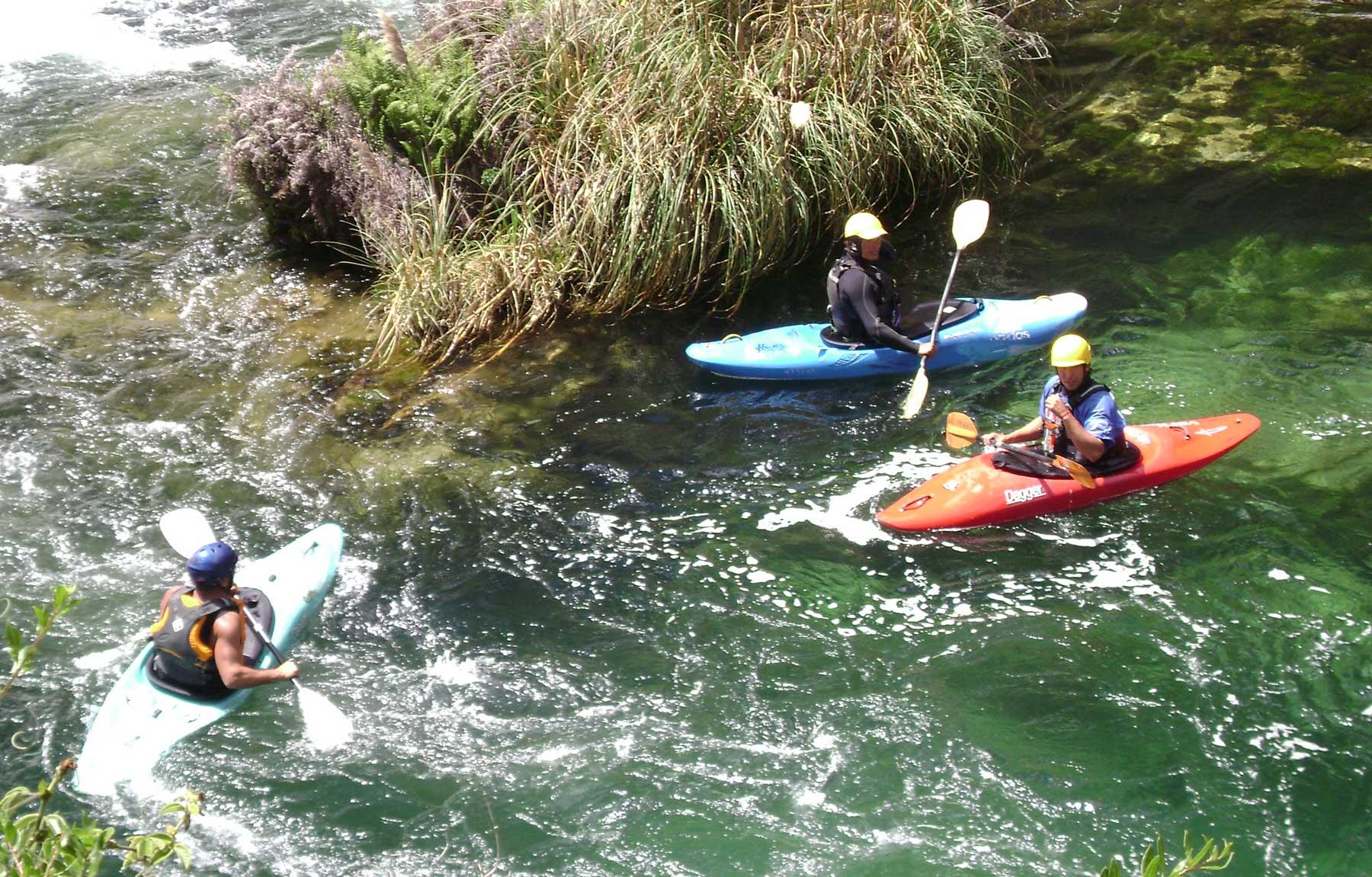 Canotaje en lagunas Huancaya Perú